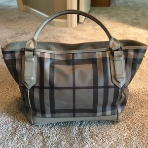 Burberry Tote - Grey/Cream